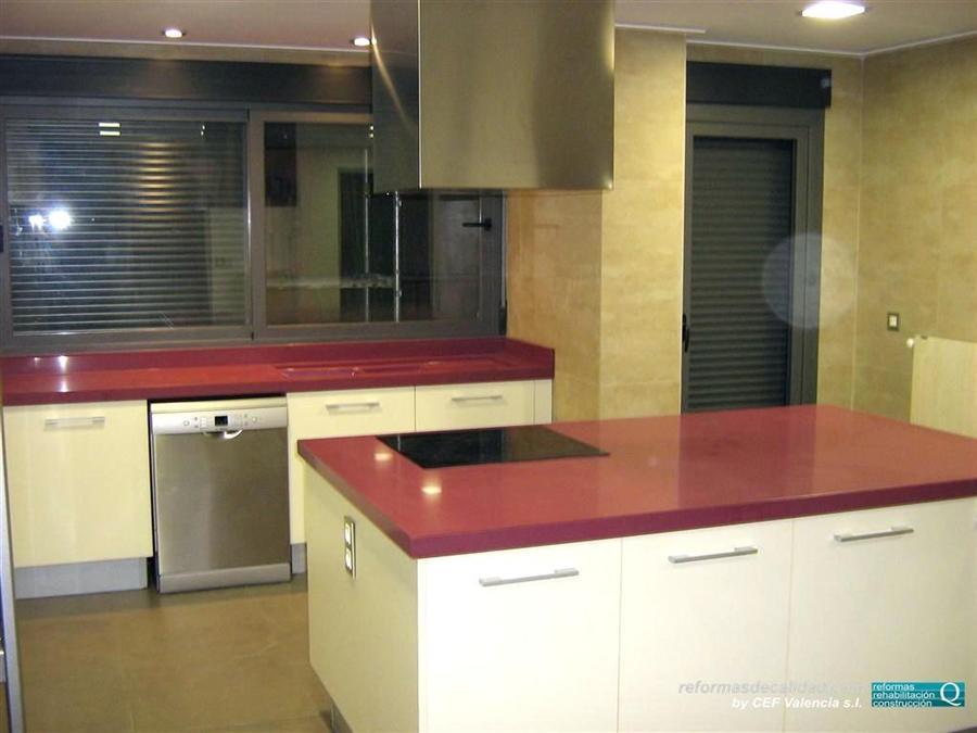 Fotograf as de reforma de cocinas con muebles en colores vivos - Cocinas con colores vivos ...