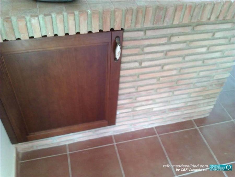 2 galer a fotos cocinas muebles de color en valencia - Cocinas de obra ladrillo visto ...