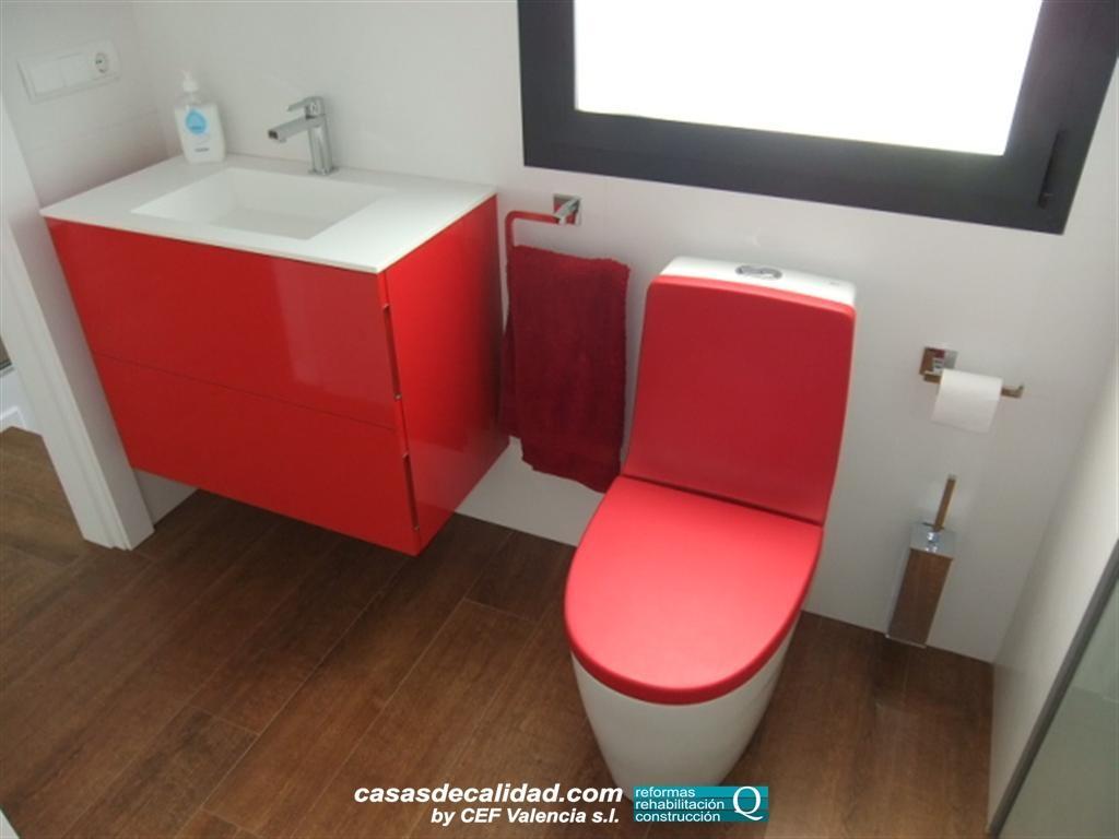 Baño De Color Rojo Intenso: de fotos de la cocina y baños realizados en casa unifamiliar en Albal