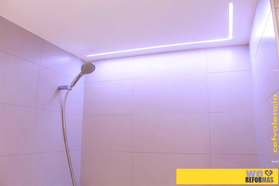 Iluminacion Baño Led:foto1420 Baño-Baño / Iluminación en zona de ducha con tiras led