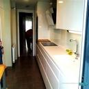 vista completa de cocina con electrodomésticos de integración en Valencia