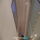 Vista de barandillas en escalera vivienda construida en Valencia