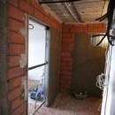 foto1354 Ejecución-Albañilería / Colocación estructura para puertas deslizantes en baño
