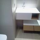 foto1409 Baño-Final / Zona mueble de baño en 2 piezas realizado en madera natura y Krion
