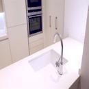 foto1450 Cocina-Final / Vista de fregadero integrado y grifería en isla