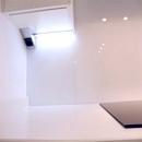foto1461 Cocina-Final / Iluminación led bajo muebles y respaldo en vidrio blanco