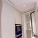 foto1464 Cocina-Final / Detalle techo en cocina y rejilla ventilación frigorífico