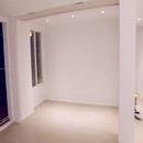 foto1470 Salón-Finales / Vista de pequeña habitación integrada al salón aislable con puerta plegada