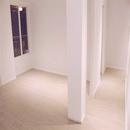 foto1474 Salón-Finales / Vista de habitación pequeña integrada a comedor y pasillo