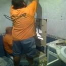 foto1779 Demoliciones-Desmantelamiento de baño sobre el que se situaría nuevas cimentaciones
