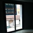 foto2053 Salón-Aluminio / Ventana principal en salón de vivienda