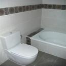 foto2073 Baño-Sanitarios / Sanitarios y bañera en baño principao